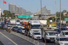 TEM'de Zincirleme Kaza: 5 Araç Birbirine Girdi!