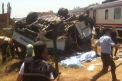 Alaşehir'de Tren Faciası! 6 Ölü