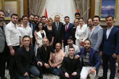Erdoğan Demokrasi Nöbetine Destek Veren Ünlüleri Kabul Etti