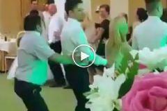 Penguen Dansında Kendini Kaybeden Adam