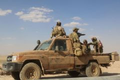 Esad Kürt Güçlerini Bombaladı, ABD Askerleri Geri Çekildi