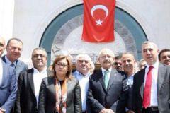 Gaziantep'e Taziye Ziyaretinde Bulunan Kılıçdaroğlu'nu Ak Partililer Karşıladı