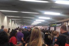 Almanya'daki Frankfurt Havalimanı'nda Bomba Paniği