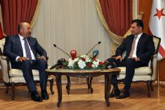 Bakan Çavuşoğlu KKTC Başbakanı İle Görüştü