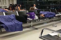 Viyana'daki Havalimanında Skandal Türk Yolcular Mahsur Kaldı!