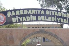 Bakanın Talimatı Yerine Getirildi! Kürtçe Tabela Yeniden Asıldı