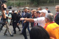 Dursun Özbek, Vodafone Arena'ya Yürüdü