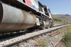 Van'da PKK'lı Teröristler Yük Trenine Saldırdı
