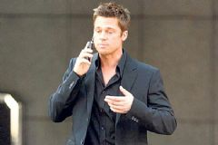 Angelina Jolie Brad Pitt'i Engelledi