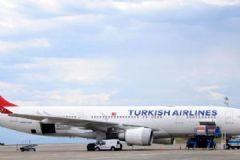 Boston-İstanbul Seferini Yapan THY Uçağı Zorunlu İniş Yaptı