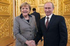 Putin, Merkel ile Suriye'yi Konuştu