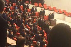 Cumhurbaşkanı Erdoğan TBMM'ye Geldi, HDP'liler Ayağa Kalkmadı!