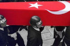 Diyarbakır'da Üs Bölgesine Hain Saldırı! 1 Üsteğmen Şehit!