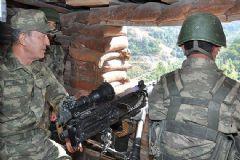 Hulisi Akar Şırnak'taki Askeri Birlikleri Denetledi