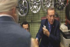 Esnafı  Gezen Erdoğan ile Tokalaşan Yaşlı Amcanın Diyaloğu Herkesi Güldürdü