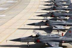 Konya'daki Jet Üssü'ne Operasyon: 40 Gözaltı