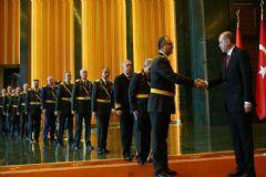 Cumhurbaşkanı,Tek Tek Tokalaşarak Bayram Tebriklerini Kabul Etti