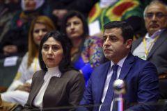 HDP'ye Terör Operasyonu: Figen Yüksekdağ ve Selahattin Demirtaş Gözaltında!
