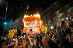 Trump Karşıtı Gösteride Bir Kişi Vuruldu!