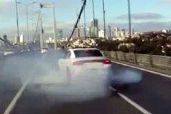 Şehitler Köprüsü'nde Drift Yapan Maganda Yakalandı