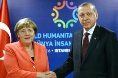 Cumhurbaşkanı Erdoğan, Terör Saldırısı Sebebiyle Merkel'e Başsağlığı Diledi