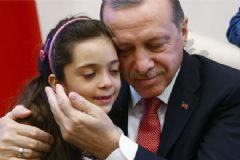 Cumhurbaşkanı Erdoğan, Halepli Küçük Kız ve Ailesini Kabul Etti