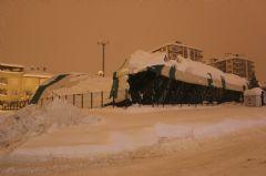 Karaman'da Kar Sebebiyle İşyerlerinin Çatıları Çöktü