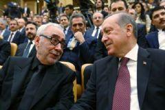 Cumhurbaşkanlığı Kültür Sanat Büyük Ödülleri'ne Layık Görülen Şener Şen'e Linç Girişimi