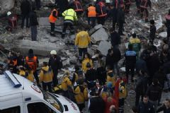 Zeytinburnu'ndaki Enkazda Yaralananların İsimleri Açıklandı