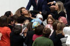 TBMM'de Kavga! Kadın Vekiller Birbirine Girdi