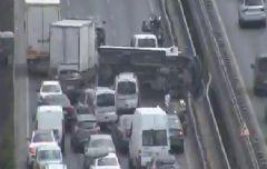 İstanbul'da D-100'ü Felç Eden Trafik Kazası!