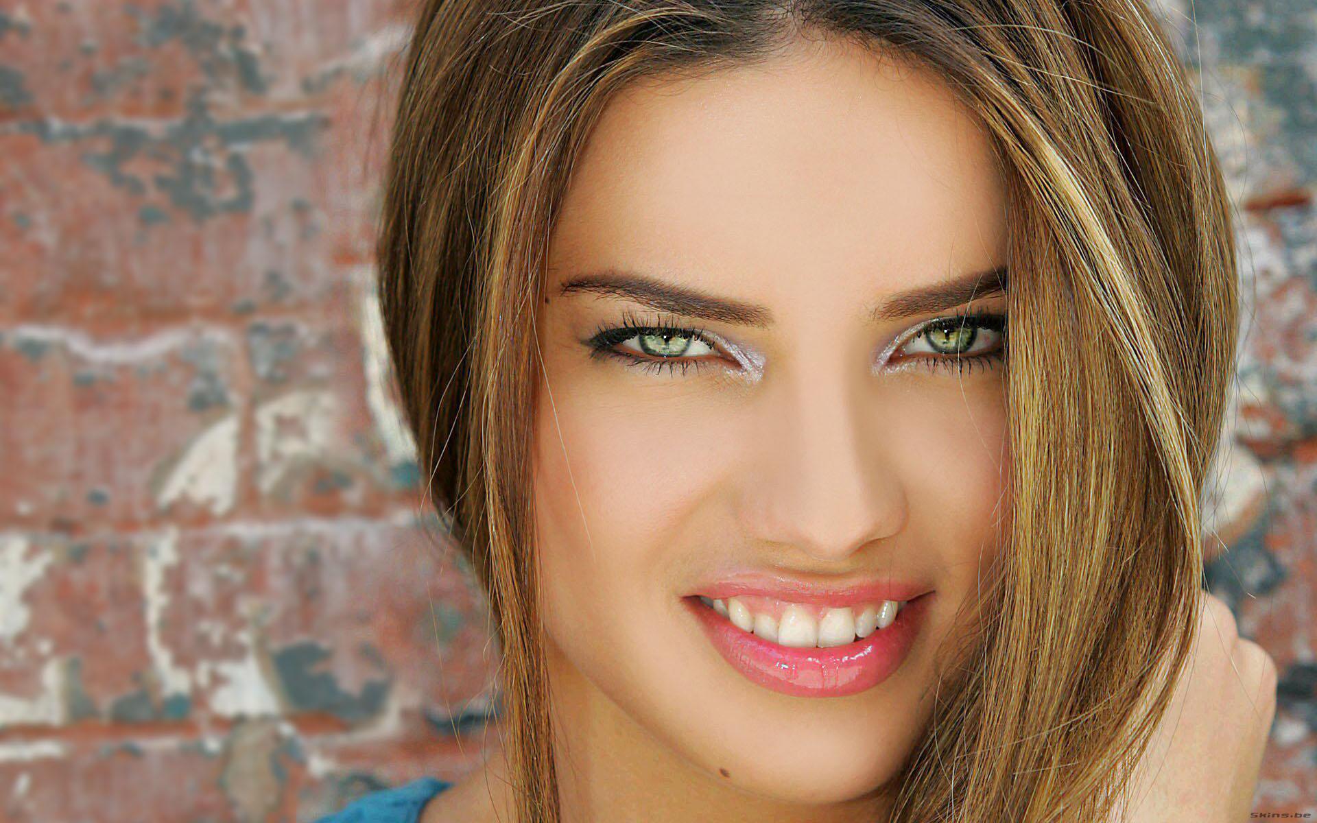 Adriana Lima'nın incelik sırrı