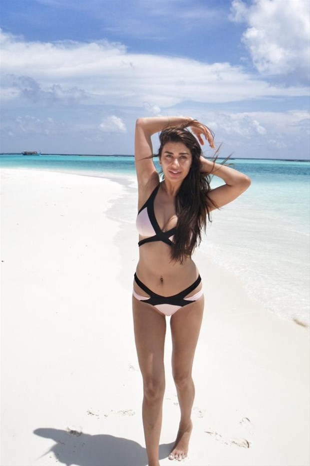 bedava red bikini resimleri